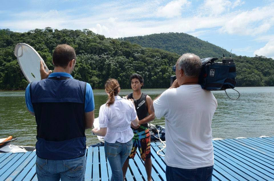 Pilotos de motos aquáticas colocam em risco segurança dos banhistas